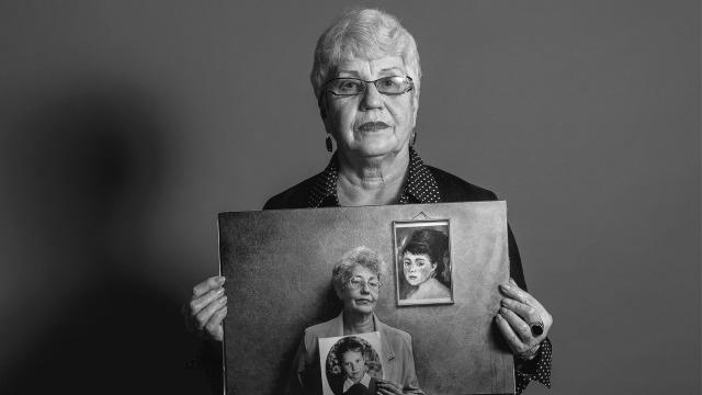 """снимок из серии """"Портрет с портретом, или снимок длиной в жизнь."""" 2014 г."""